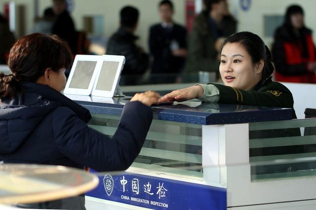 出国工作小视频,海外工作攻略,出国打工头条-出国务工:护照和签证,你分得清吗?别再上当受骗