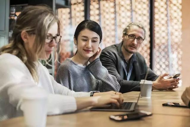 出国工作小视频,海外工作攻略,出国打工头条-想在澳洲工作?建议先问清楚自己这八个问题