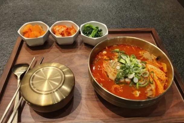 出国工作小视频,海外工作攻略,出国打工头条-韩国人一日三餐都吃些啥?网友看完说还是我们大中国吃的好