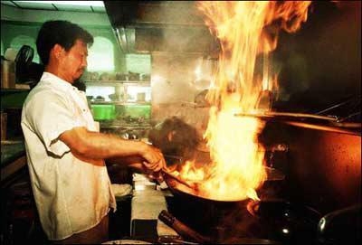 出国工作小视频,海外工作攻略,出国打工头条-在美国生活的华人厨师:中国餐馆怎么样?
