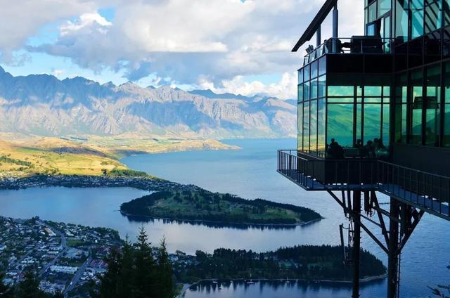 出国工作小视频,海外工作攻略,出国打工头条-新西兰平均年薪高达22万!这还是我认识的新西兰吗?
